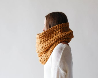 Chunky Cowl Scarf Shawl Hood Thermal / THE TOK / Vegan Acrylic / Dusty Gold