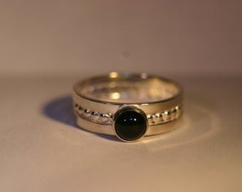 Sterling Silver Ring with 6mm Black Onyx - Size US 7 1/2
