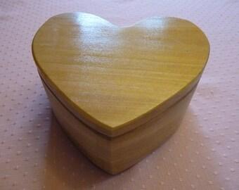 Handcrafted Poplar Wood Heart Shape Jewelry/Keepsake Box with Swivel Lid