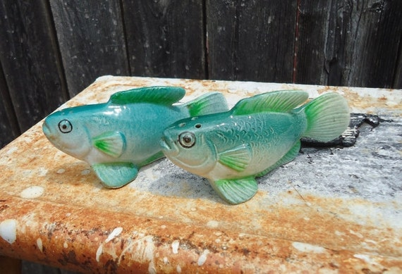 Pair of bass fish salt and pepper shakers for Fish salt and pepper shakers
