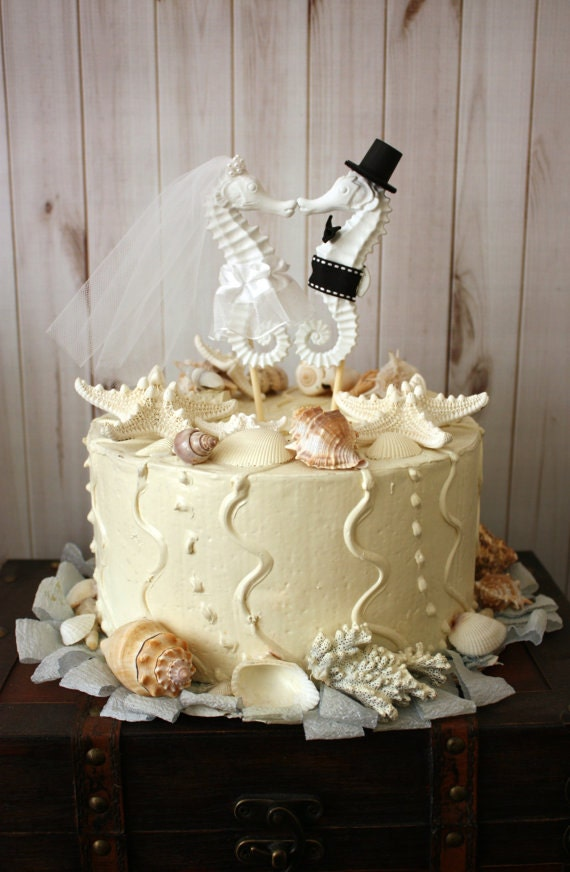 Kissing Seahorse Wedding Cake Topper Beach Themed Wedding Cake