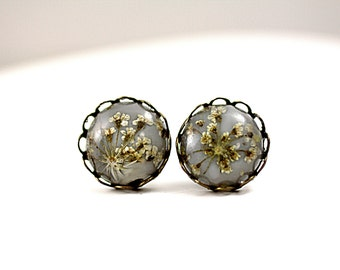 Real Flower Tiny Stud Earrings - earring studs with Queen Anne's lace in light grey and bronze. Delicate jewelry for her.