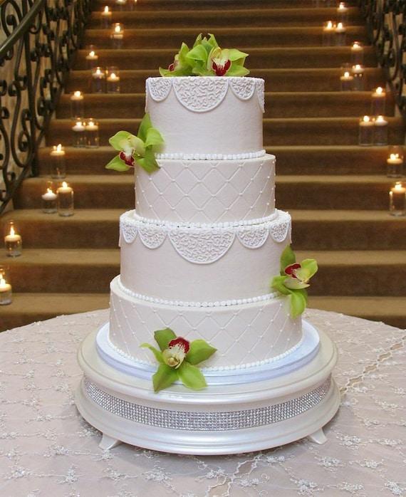 Ivory Wedding Cake With Pearls Pearl Diamond Wedding Cake