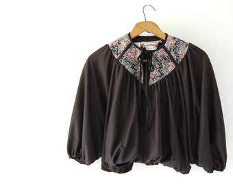 vintage cocoon Cropped Top / vtg Batwing Bubble Top by Young Edwardian Arpeja / Black w cotton Calico yoke / neck tie / boho hippie shirt xs