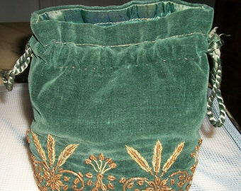 Vintage HANDMADE Green  Velvet PURSE , EMBROIDED Gold Thread -Flowers- Fantastic work as on the french Academy's costume- no missing, fresh