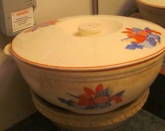 Universal Cambridge Pottery Calico Fruit Covered Casserole 1940 - 1950 Era