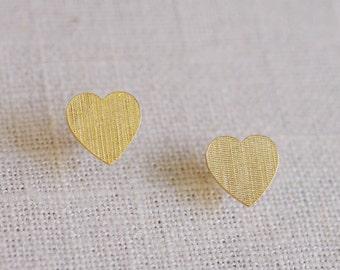 linen heart stud earrings . simple heart studs . small heart earrings . textured heart . silver heart studs // 2LINH