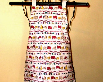Child's Apron Ages 3 thru 7 Cats and Yarn Reversible Adjustable