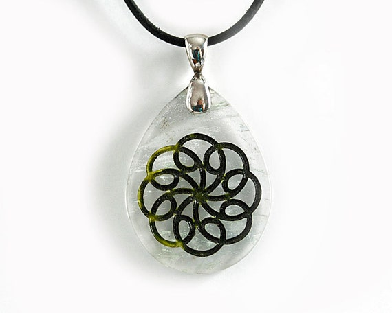 Swirly Spirograph-inspired Flower Necklace - Abstract Etched Glass Pendant