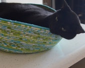 Cuddly cat snuggle bed - Bright Green and Bright Blue/Teal