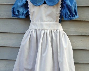 Girl's size 6/7 Alice in Wonderland costume.