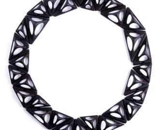 Tetra Kinematics 31n necklace