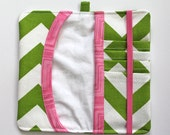 iphone / cell phone wallet. Green Chevron. Wristlet wallet for mobile phone. iPhone 5 6 pink elastic and trim