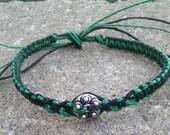 reversable emerald green and black unisex macrame hemp adjustable bracelet