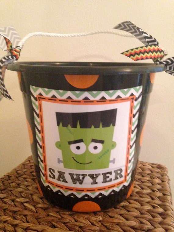 plastic halloween bucket with rope handle by monkeyseeboutique. Black Bedroom Furniture Sets. Home Design Ideas