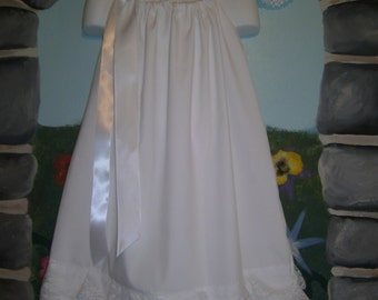 White or antique dress with 3 rows of ruffled lace wide ribbon ties & headband sizes 0-8 girls