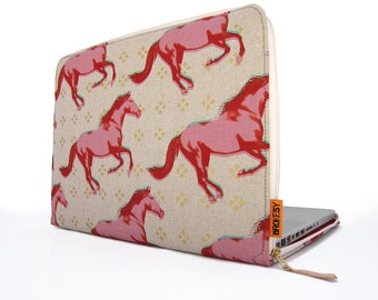 "Laptop Sleeve - 15"" MacBook Pro - Wild Horses"