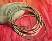 Hand hammered antique brass large organic circle link 45mm outer diameter, 6 pcs (item ID HMBCL45)
