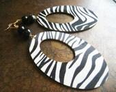 Zebra New Stripes Glass and Agate Beaded Dangle earrings