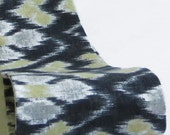 Women's Gray Ikat Print Wide Fabric Headband