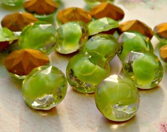 Vintage German 48ss Apple Green Givre Glass Jewels (28-12B-12)