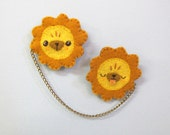 Sunny Lion Chain Brooch