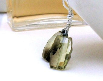 Faceted Bi-Color Quartz Luxe Gemstone Modern Dangle Earrings, Fancy Cut Quartz Stone Drop Earrings, For Her Under 150