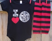 STAR WARS Valentine's Day Baby Bodysuit and Leg Warmers for Boy or Girl - I HEART Chewbacca - Perfect for Birthdays, Gifts, Photo Shoots