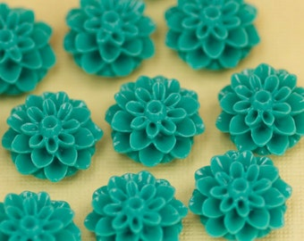 6 Turquoise Flower Cabochons Flat Back 15mm