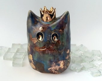 Ceramic Imp Sculpture, Cute Monster Figurine with Gold Crown