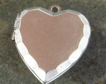 Heart Locket Antiqued Silver Jewelry Findings 768 - 2 Pieces - new