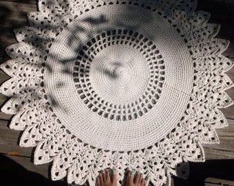 "Off White Crochet Doily Rug in 38"" Circle Lacy Pattern Non Skid"