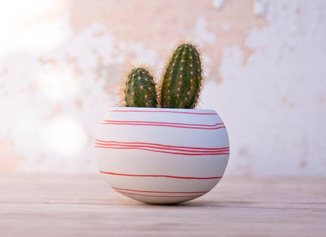 Jardinera de cer mica cactus rayas naranjas jardinera por - Jardineras de ceramica ...