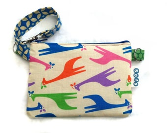 Sofs offers a wristlet, little pouch bag in soft girafes.
