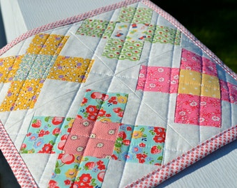 Granny Square Quilt Vintage Style Table Mat Vintage Style Table Topper Cottage Table Topper Table Quilt Runner Mini Quilt Cottage Quilt