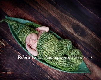 Newborn Pea Pod Cocoon and Hat Set-Green-Photography Prop-Made to Order