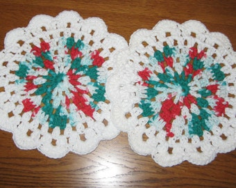 Crochet  Round Crochet Dishcloth set of 2 in White, red and green