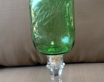 4 Mint Green Mason Jar Wine Glasses with Fresh Water Pearls and WHITE Lids