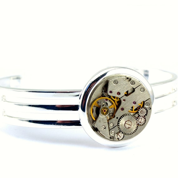 Steampunk Bracelet - Gorgeous Vintage Clockwork Bracelet Design - PROMPTLY SHIPPED - SteampunkJewelry