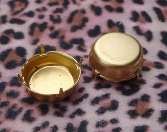 Brass 18mm (75ss) No Ring Closed Back Round Settings for Slightly Pointed Back Jewels or Rivoli Rhinestones (6 pieces)