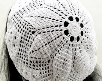 Crocheted Flower Slouchy Hat. Beanie. Chapeau.