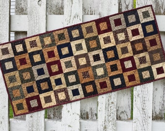 Quilted Table Runner - Cedar Box (EDTR28)