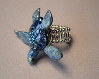 Deep Blue Sea Turtle with Expandable ring