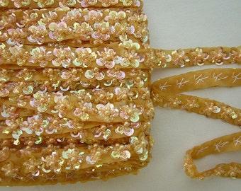 AMBER Sequin Pearl Glass Sead Bead Beaded Flower Ribbon Trim Applique Bridal Scrapbook Doll Quilt