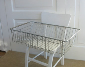 Vintage Metal Basket, Metal Tray, Metal Rack, Industrial Storage, Display Rack, Wire Basket