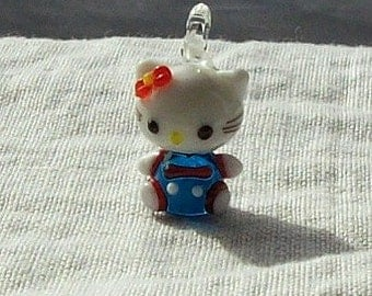 25 x 15 mm Blue and White Glass Kitty Charm