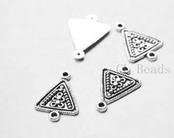 20 Pieces Oxidized Silver Tone Base Metal Links - Triangle 21x15mm (5088Y-C-388)