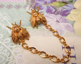 Fly Sweater clips Cardigan clips collar chains Gold sweater guard bees cardigan clips