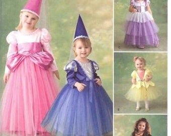 SIMPLICITY PATTERN #2569 Princess Costumes and Hats for Girls Size 1/2 to 3