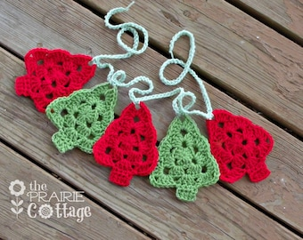 Crochet Christmas Garland - Christmas Tree Garland - Red and Green - Crochet Bunting - Fireplace Mantel Decor - Tree Decorations